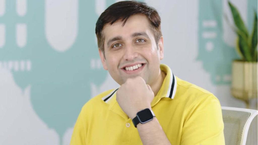 Realme India CEO Madhav Sheth with Realme upcoming smart watch